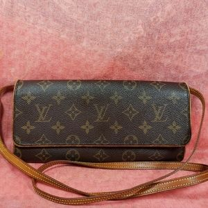 Authentic Louis Vuitton Monogram Twin Pochette